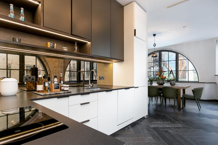 Lovelydays luxury service apartment rental - London - Soho - Berwick Street I - Lovelysuite - 3 bedrooms - 3 bathrooms - Luxury kitchen - Open kitchen - five star apartment london - 0bdd2a1dacc7 - Lovelydays