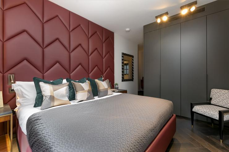 Lovelydays luxury service apartment rental - London - Soho - Berwick Street I - Lovelysuite - 3 bedrooms - 3 bathrooms - Queen bed - five star apartment london - 4a9c59b9a5b9 - Lovelydays