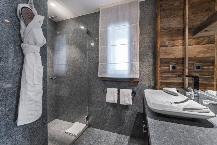 Lovelydays luxury service apartment rental - Megève - Senses Chalet - Partner - 6 bedrooms - 6 bathrooms - Lovely shower - 441668540b36 - Lovelydays