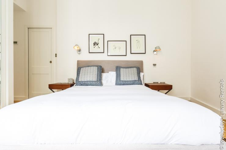Lovelydays luxury service apartment rental - London - Covent Garden - Cockspur Street - Lovelysuite - 3 bedrooms - 2 bathrooms - Double bed - 9ee0dabacf29 - Lovelydays