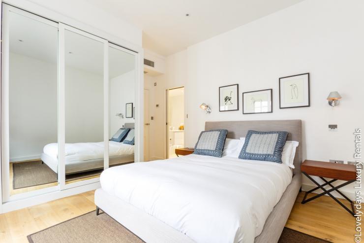 Lovelydays luxury service apartment rental - London - Covent Garden - Cockspur Street - Lovelysuite - 3 bedrooms - 2 bathrooms - Double bed - f55b17f48462 - Lovelydays