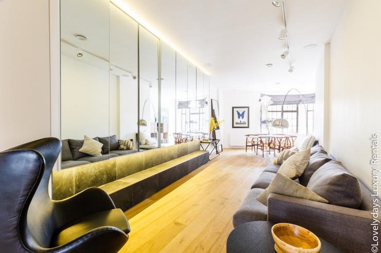 Lovelydays luxury service apartment rental - London - Covent Garden - Cockspur Street - Lovelysuite - 3 bedrooms - 2 bathrooms - Luxury living room - 575376965164 - Lovelydays
