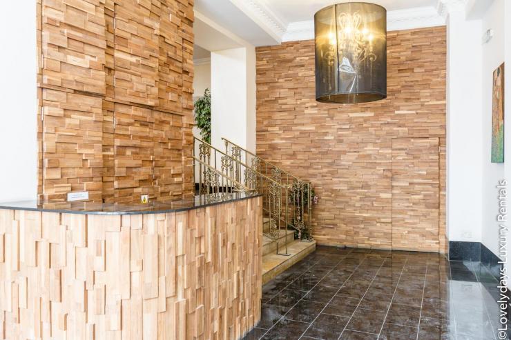 Lovelydays luxury service apartment rental - London - Covent Garden - Cockspur Street - Lovelysuite - 3 bedrooms - 2 bathrooms - Private gate - be50670f9802 - Lovelydays
