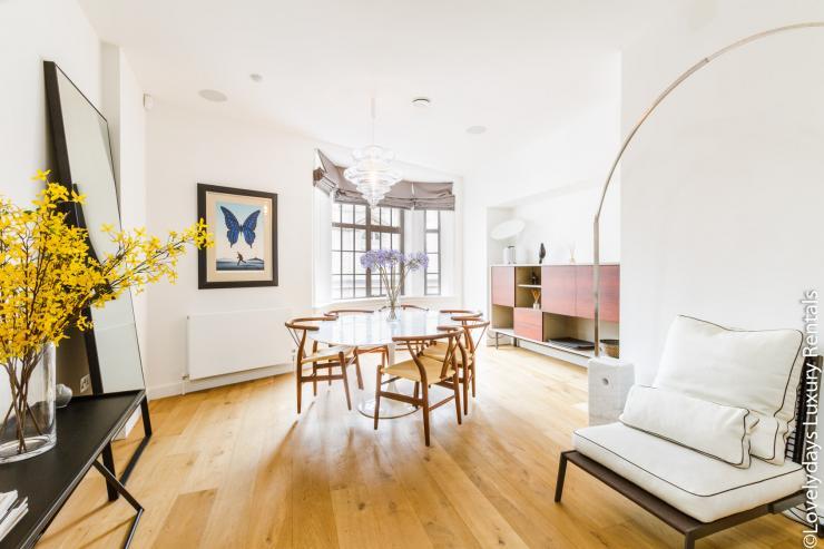 Lovelydays luxury service apartment rental - London - Covent Garden - Cockspur Street - Lovelysuite - 3 bedrooms - 2 bathrooms - Luxury kitchen - 10879fdd02b8 - Lovelydays