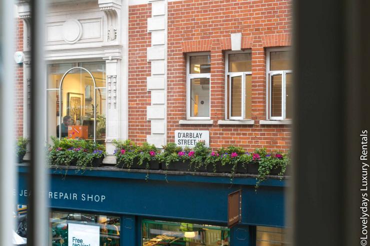 Lovelydays luxury service apartment rental - London - Soho - D'Arblay Street - Lovelysuite - 1 bedrooms - 1 bathrooms - Queen bed - exterior - 787d61f654bf - Lovelydays