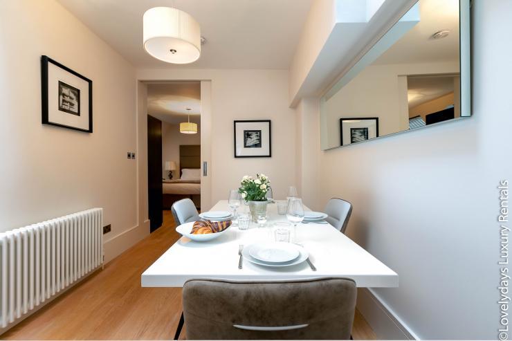Lovelydays luxury service apartment rental - London - Soho - D'Arblay Street - Lovelysuite - 1 bedrooms - 1 bathrooms - Double living room - 58c7e00cca2f - Lovelydays