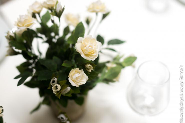Lovelydays luxury service apartment rental - London - Soho - D'Arblay Street - Lovelysuite - 1 bedrooms - 1 bathrooms - Professional kitchen - flowers - 1f182e865a29 - Lovelydays