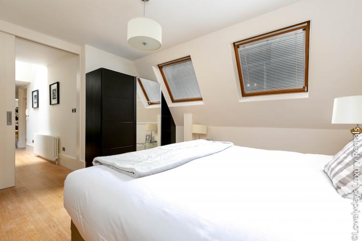 Lovelydays luxury service apartment rental - London - Soho - D'Arblay Street - Lovelysuite - 1 bedrooms - 1 bathrooms - Queen bed - b57971c7ad01 - Lovelydays
