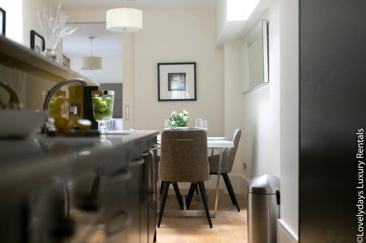 Lovelydays luxury service apartment rental - London - Soho - D'Arblay Street - Lovelysuite - 1 bedrooms - 1 bathrooms - Professional kitchen - 3bc7862e1de9 - Lovelydays