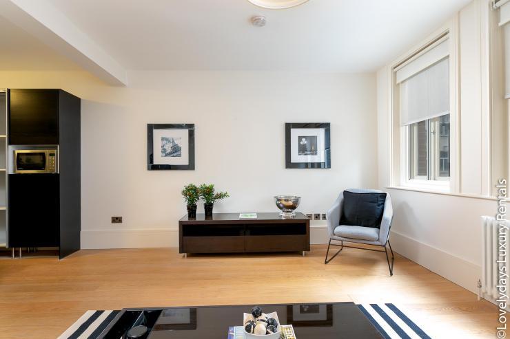 Lovelydays luxury service apartment rental - London - Soho - D'Arblay Street - Lovelysuite - 1 bedrooms - 1 bathrooms - Professional kitchen - 4f7bd1599977 - Lovelydays