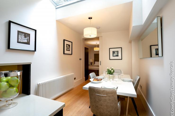 Lovelydays luxury service apartment rental - London - Soho - D'Arblay Street - Lovelysuite - 1 bedrooms - 1 bathrooms - Double living room - b10a57497c6b - Lovelydays
