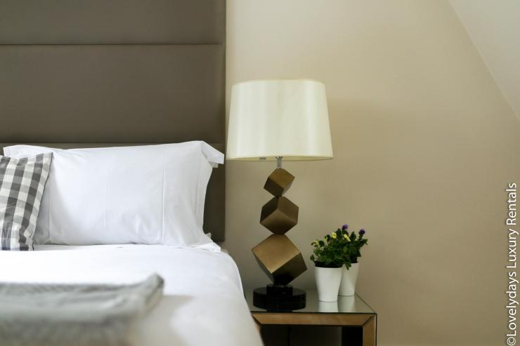 Lovelydays luxury service apartment rental - London - Soho - D'Arblay Street - Lovelysuite - 1 bedrooms - 1 bathrooms - Professional kitchen - reading lamps - 7c1fe3ae00c1 - Lovelydays