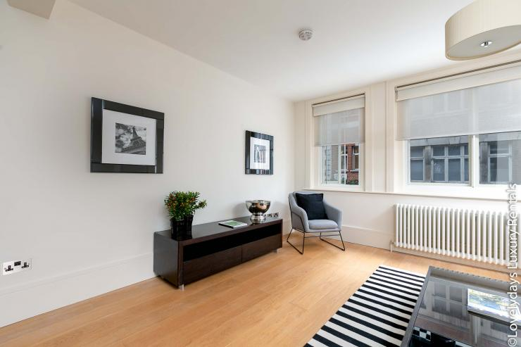 Lovelydays luxury service apartment rental - London - Soho - D'Arblay Street - Lovelysuite - 1 bedrooms - 1 bathrooms - Professional kitchen - b414b86ccde3 - Lovelydays