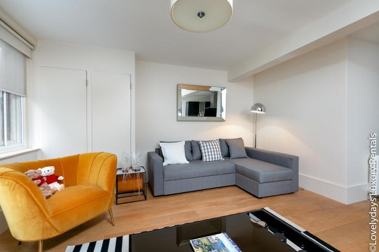 Lovelydays luxury service apartment rental - London - Soho - D'Arblay Street - Lovelysuite - 1 bedrooms - 1 bathrooms - Professional kitchen - 9db0e1cff6c1 - Lovelydays