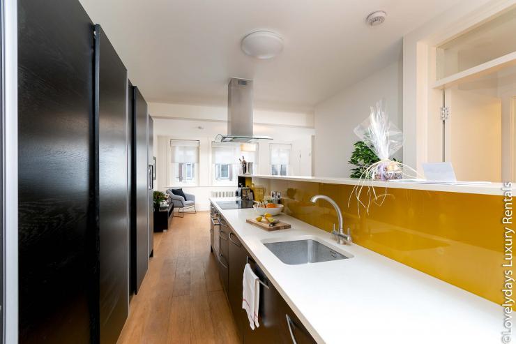 Lovelydays luxury service apartment rental - London - Soho - D'Arblay Street - Lovelysuite - 1 bedrooms - 1 bathrooms - Large bathtub - fc8a51ea1150 - Lovelydays