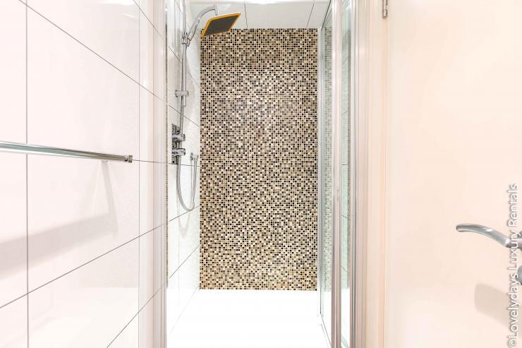 Lovelydays luxury service apartment rental - London - Soho - D'Arblay Street - Lovelysuite - 1 bedrooms - 1 bathrooms - A/C system - d8c0e6c1b61d - Lovelydays