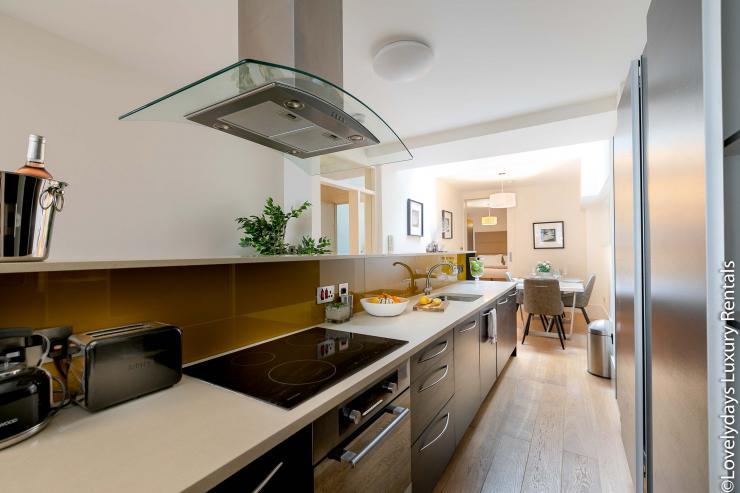 Lovelydays luxury service apartment rental - London - Soho - D'Arblay Street - Lovelysuite - 1 bedrooms - 1 bathrooms - Separate kitchen - 771be0bcfd49 - Lovelydays
