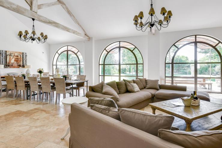Lovelydays luxury service apartment rental - St Rémy de Provence and surroundings - Ameu Mas - Partner - 6 bedrooms - 6 bathrooms - Luxury living room - 7bcd2cfcacfb - Lovelydays