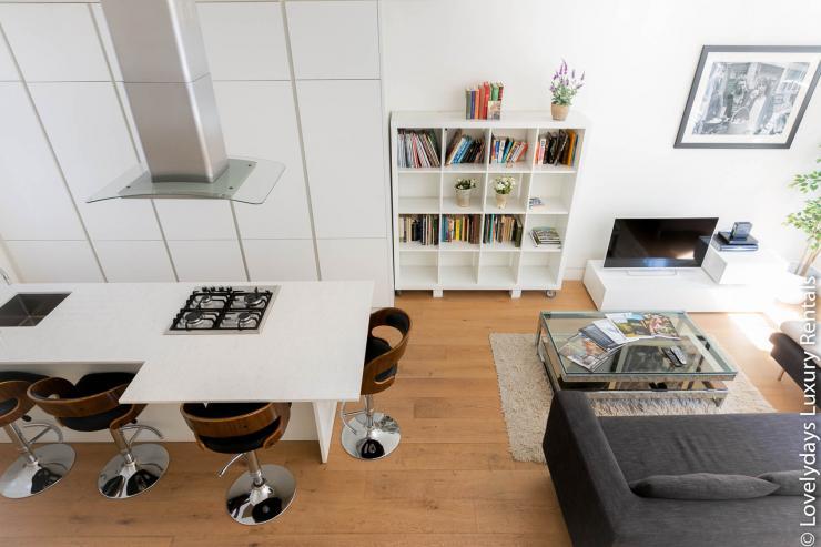 Lovelydays luxury service apartment rental - London - Fitzrovia - Foley Street - Lovelysuite - 2 bedrooms - 2 bathrooms - Luxury living room - 0c267dbf6f1b - Lovelydays