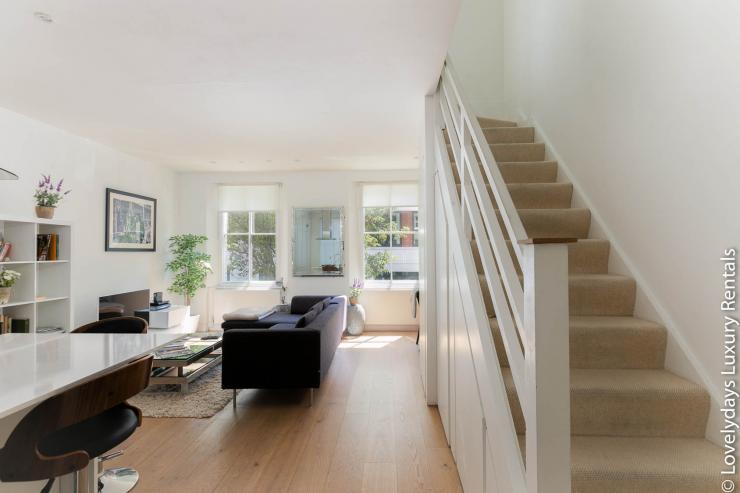 Lovelydays luxury service apartment rental - London - Fitzrovia - Foley Street - Lovelysuite - 2 bedrooms - 2 bathrooms - Double living room - 6dff14456256 - Lovelydays