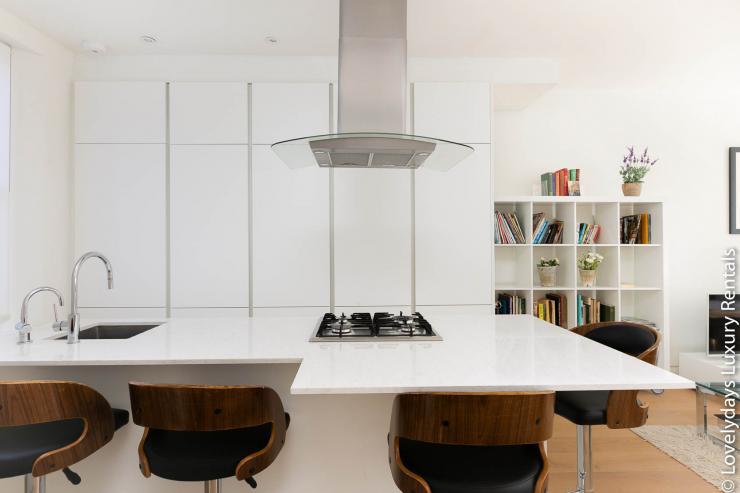 Lovelydays luxury service apartment rental - London - Fitzrovia - Foley Street - Lovelysuite - 2 bedrooms - 2 bathrooms - Luxury kitchen - f772bef51a11 - Lovelydays