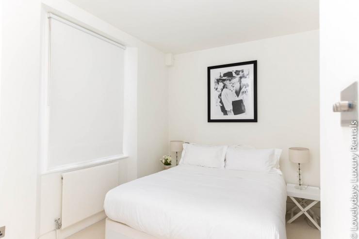 Lovelydays luxury service apartment rental - London - Fitzrovia - Foley Street - Lovelysuite - 2 bedrooms - 2 bathrooms - Double bed - 5e6ecf7ec492 - Lovelydays