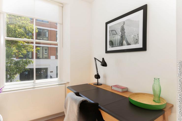 Lovelydays luxury service apartment rental - London - Fitzrovia - Foley Street - Lovelysuite - 2 bedrooms - 2 bathrooms - Working desk - 1cba65c1d15d - Lovelydays