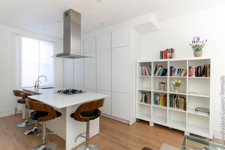 Lovelydays luxury service apartment rental - London - Fitzrovia - Foley Street - Lovelysuite - 2 bedrooms - 2 bathrooms - Luxury kitchen - e804dcc6b2c1 - Lovelydays
