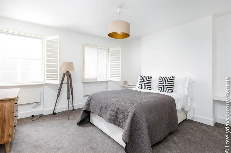 Lovelydays luxury service apartment rental - London - Fitzrovia - Goodge 55 - Lovelysuite - 2 bedrooms - 3 bathrooms - Double bed - 4a6a07e88e14 - Lovelydays