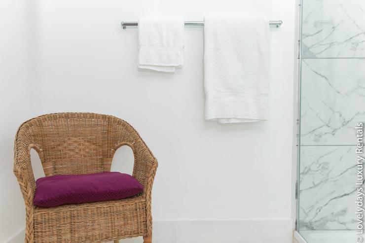 Lovelydays luxury service apartment rental - London - Fitzrovia - Goodge 55 - Lovelysuite - 2 bedrooms - 3 bathrooms - Design - 0be3a98921a6 - Lovelydays