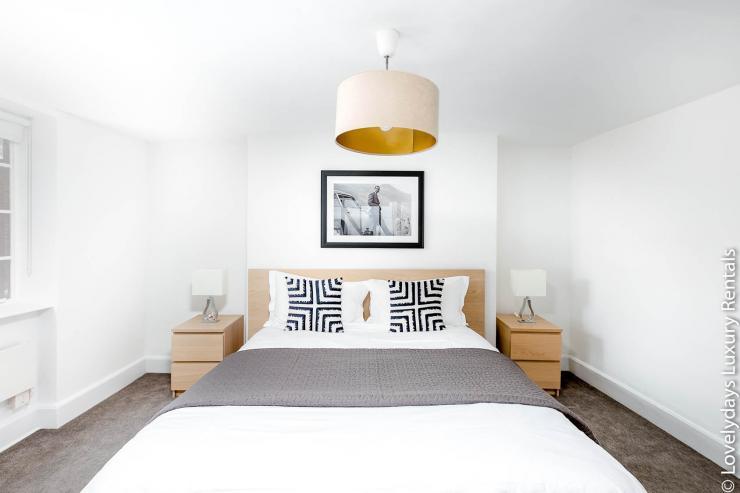 Lovelydays luxury service apartment rental - London - Fitzrovia - Goodge 55 - Lovelysuite - 2 bedrooms - 3 bathrooms - Double bed - 3d11992d1fdf - Lovelydays