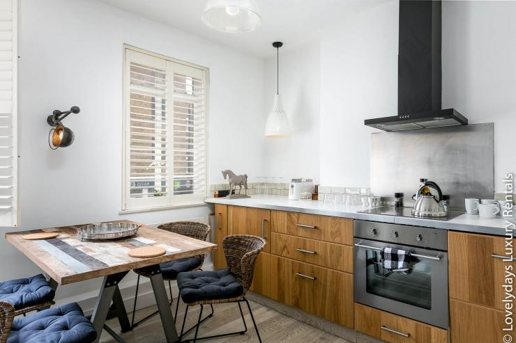 Lovelydays luxury service apartment rental - London - Fitzrovia - Goodge 55 - Lovelysuite - 2 bedrooms - 3 bathrooms - Luxury kitchen - 1352e9a9fbf8 - Lovelydays