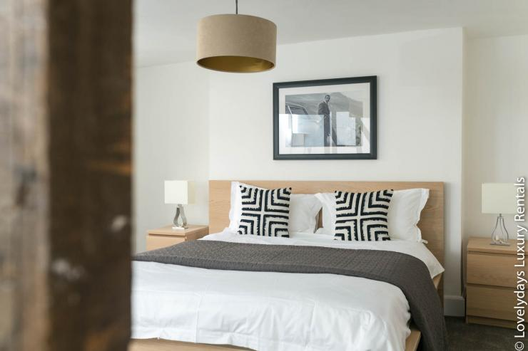 Lovelydays luxury service apartment rental - London - Fitzrovia - Goodge 55 - Lovelysuite - 2 bedrooms - 3 bathrooms - Double bed - 044c4838ac45 - Lovelydays