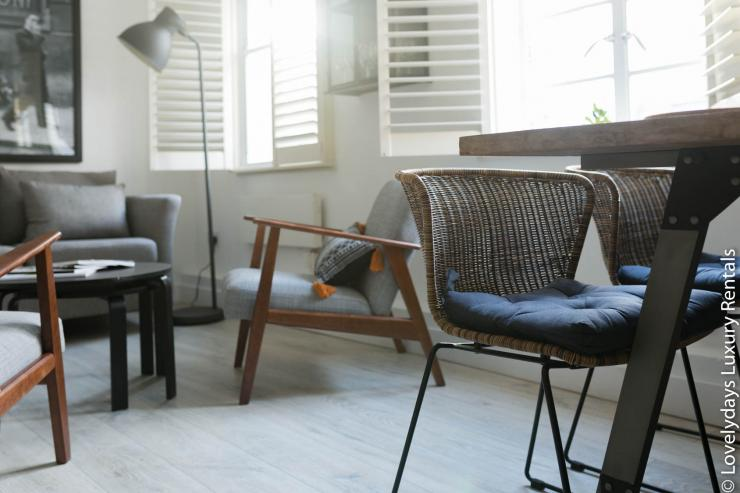 Lovelydays luxury service apartment rental - London - Fitzrovia - Goodge 55 - Lovelysuite - 2 bedrooms - 3 bathrooms - Working desk - fdd8ccabf949 - Lovelydays