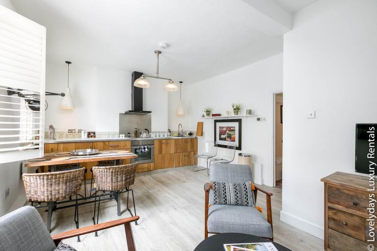 Lovelydays luxury service apartment rental - London - Fitzrovia - Goodge 55 - Lovelysuite - 2 bedrooms - 3 bathrooms - Luxury kitchen - 1ee1d56a2b17 - Lovelydays