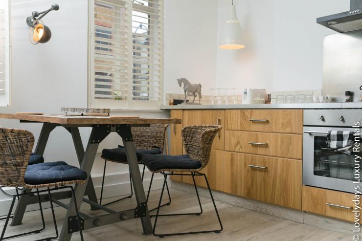 Lovelydays luxury service apartment rental - London - Fitzrovia - Goodge 55 - Lovelysuite - 2 bedrooms - 3 bathrooms - Luxury living room - e324a740f074 - Lovelydays