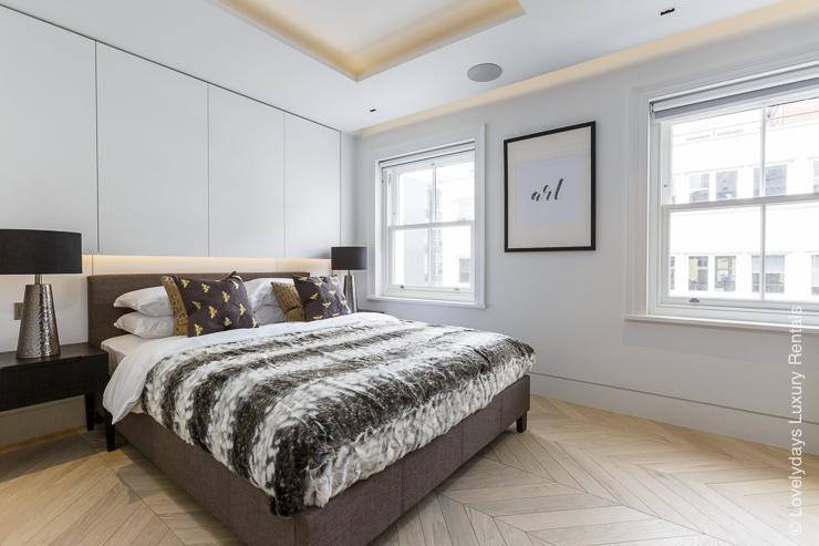 Lovelydays luxury service apartment rental - London - Fitzrovia - Goodge street III - Lovelysuite - 3 bedrooms - 2 bathrooms - King bed - book apartments in london - 2c287e826fba - Lovelydays