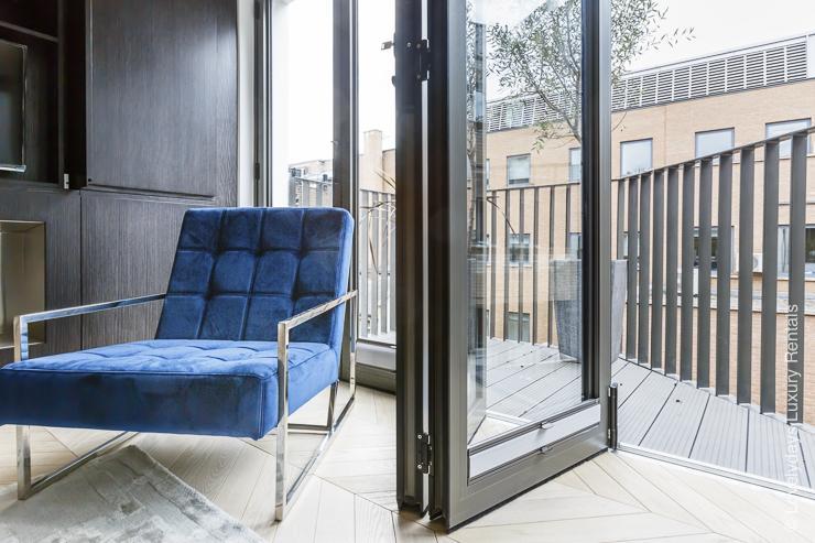 Lovelydays luxury service apartment rental - London - Fitzrovia - Goodge street III - Lovelysuite - 3 bedrooms - 2 bathrooms - Luxury living room - book apartments in london - 2a319e263cf1 - Lovelydays