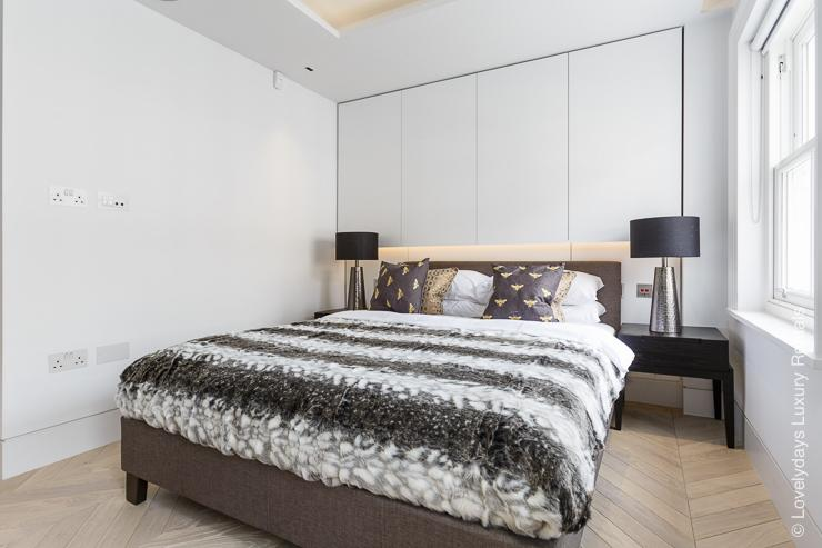 Lovelydays luxury service apartment rental - London - Fitzrovia - Goodge street III - Lovelysuite - 3 bedrooms - 2 bathrooms - Double bed - book apartments in london - cc6d3a83e405 - Lovelydays