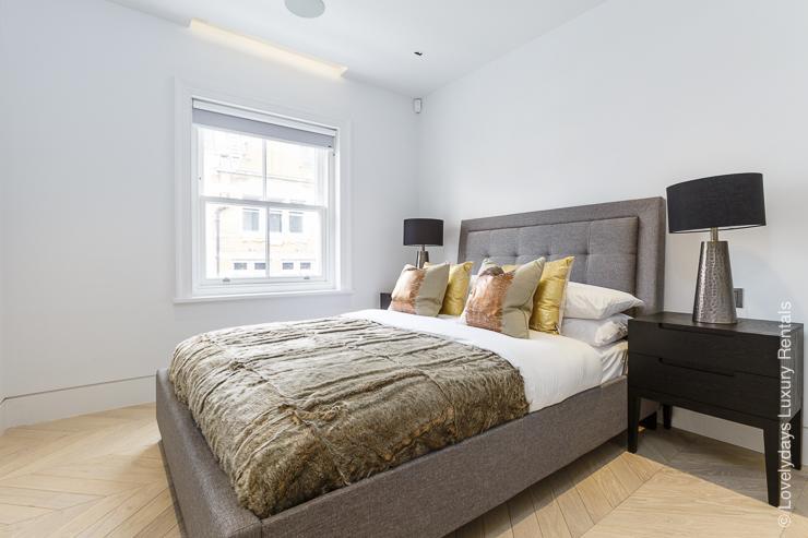 Lovelydays luxury service apartment rental - London - Fitzrovia - Goodge street III - Lovelysuite - 3 bedrooms - 2 bathrooms - Double bed - book apartments in london - 97cbe3e15182 - Lovelydays
