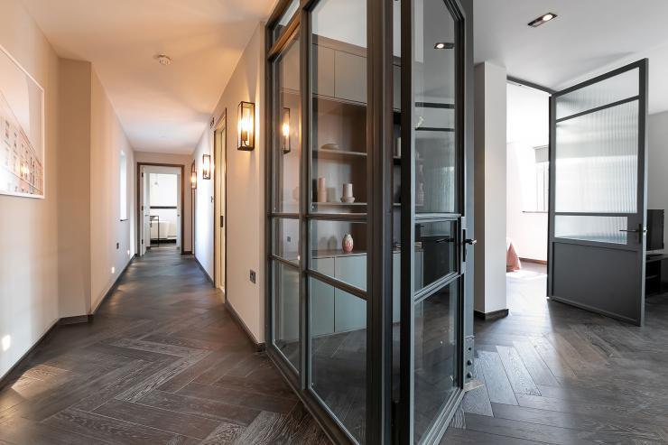Lovelydays luxury service apartment rental - London - Soho - Great Marlborough St VIII - Lovelysuite - 3 bedrooms - 3 bathrooms - Hallway - 5 star serviced apartments in london - cabc1e9f3a44 - Lovelydays