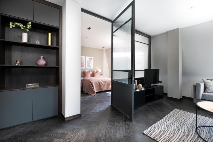 Lovelydays luxury service apartment rental - London - Soho - Great Marlborough St VIII - Lovelysuite - 3 bedrooms - 3 bathrooms - Queen bed - 5 star serviced apartments in london - b9e769cafdd3 - Lovelydays