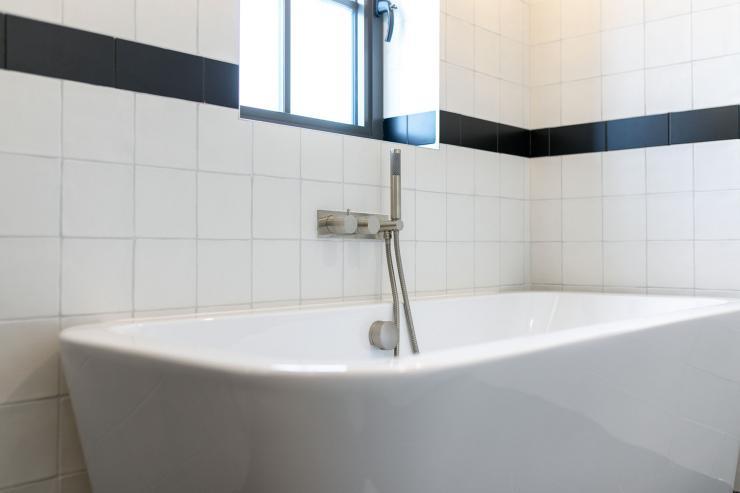Lovelydays luxury service apartment rental - London - Soho - Great Marlborough St VIII - Lovelysuite - 3 bedrooms - 3 bathrooms - Beautiful bathtub - 5 star serviced apartments in london - dad1654fbf71 - Lovelydays