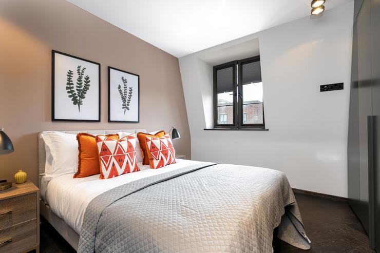 Lovelydays luxury service apartment rental - London - Soho - Great Marlborough St VIII - Lovelysuite - 3 bedrooms - 3 bathrooms - Queen bed - 5 star serviced apartments in london - d094a6bbe2cc - Lovelydays