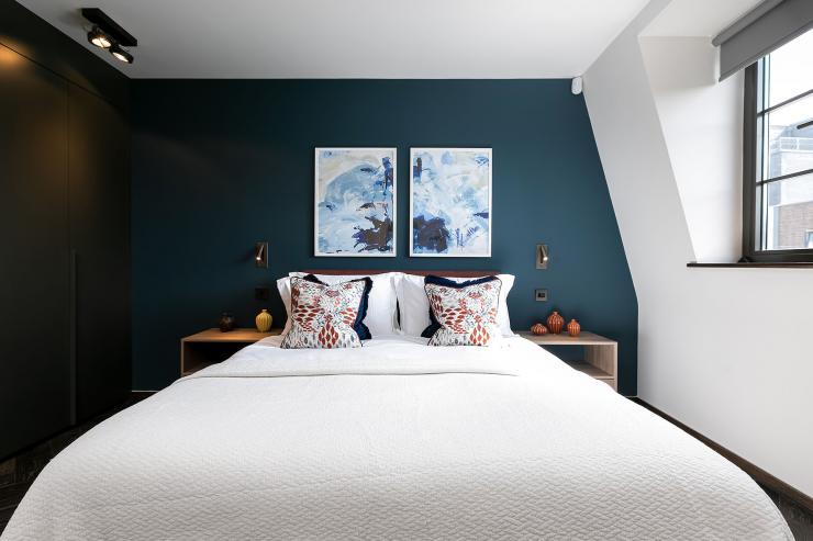 Lovelydays luxury service apartment rental - London - Soho - Great Marlborough St VIII - Lovelysuite - 3 bedrooms - 3 bathrooms - Queen bed - 5 star serviced apartments in london - 9b6bfdb81811 - Lovelydays