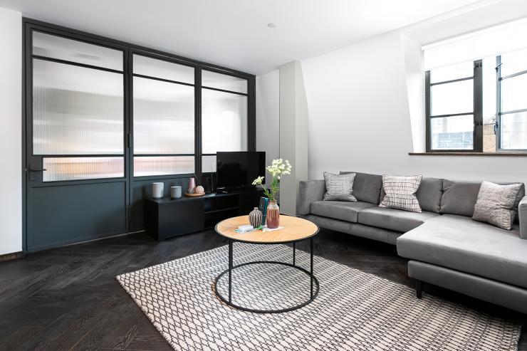 Lovelydays luxury service apartment rental - London - Soho - Great Marlborough St VIII - Lovelysuite - 3 bedrooms - 3 bathrooms - Luxury living room - 5 star serviced apartments in london - 3fcee8e366cb - Lovelydays