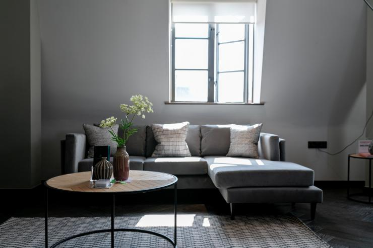 Lovelydays luxury service apartment rental - London - Soho - Great Marlborough St VIII - Lovelysuite - 3 bedrooms - 3 bathrooms - Comfortable sofa - 5 star serviced apartments in london - ae04642fb4ce - Lovelydays