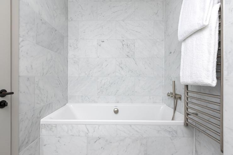 Lovelydays luxury service apartment rental - London - Soho - Great Marlborough St VIII - Lovelysuite - 3 bedrooms - 3 bathrooms - Beautiful bathtub - 5 star serviced apartments in london - b5daad8a0f8b - Lovelydays