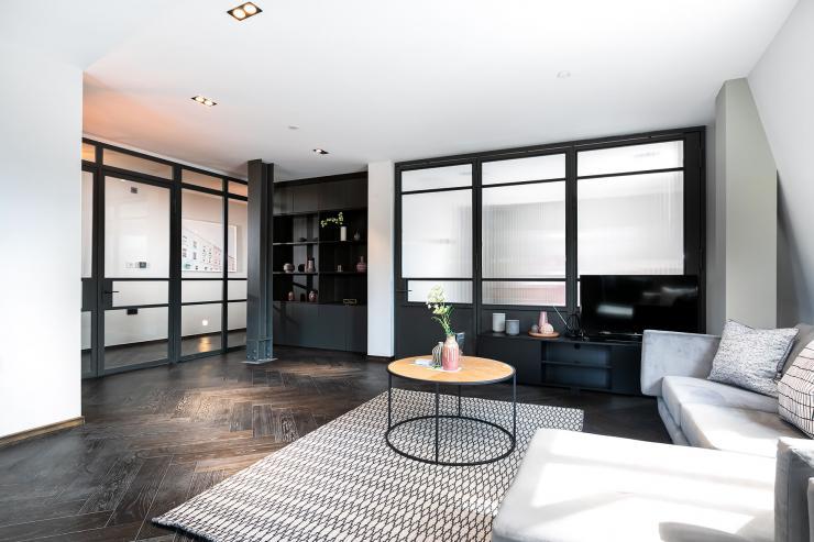 Lovelydays luxury service apartment rental - London - Soho - Great Marlborough St VIII - Lovelysuite - 3 bedrooms - 3 bathrooms - Luxury living room - 5 star serviced apartments in london - d61ecd518129 - Lovelydays