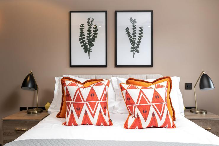 Lovelydays luxury service apartment rental - London - Soho - Great Marlborough St VIII - Lovelysuite - 3 bedrooms - 3 bathrooms - Queen bed - 5 star serviced apartments in london - eaec2ba1edc4 - Lovelydays